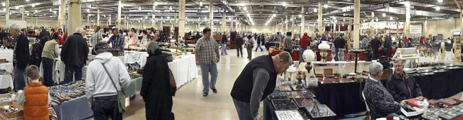 2017 Columbus Christmas Antique Market